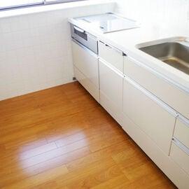 キッチンが臭い!台所の異臭の原因と匂い消しの方法は?