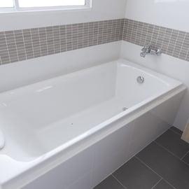 浴槽の掃除|頻度はどの程度?さくっと掃除から大掃除まで徹底解説!
