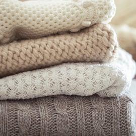 セーター 服 洗濯 たたむ