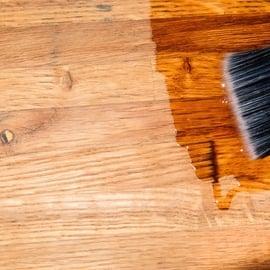 フローリングの艶出し方法!ワックスなしでも床が簡単にツヤツヤに!