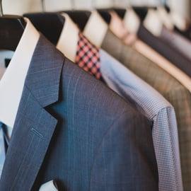 スーツ用のブラシって便利なの?お手軽ケアで清潔に保てる6選