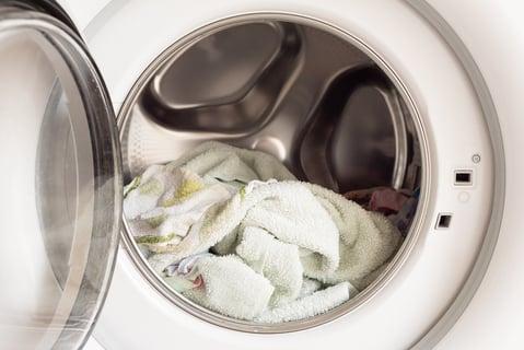 洗濯機のなかのタオル