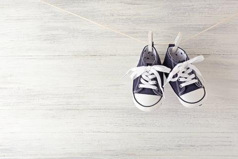 子供靴 スニーカー  靴を干す