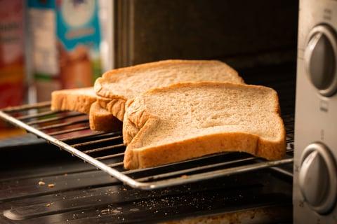 トースターとパン