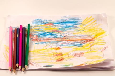 子供 作品 思い出 色鉛筆