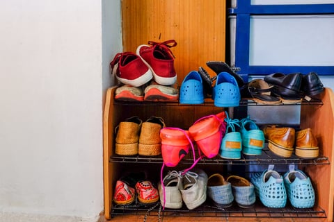 玄関 下駄箱 靴 スニーカー