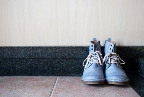 スニーカー 靴 玄関