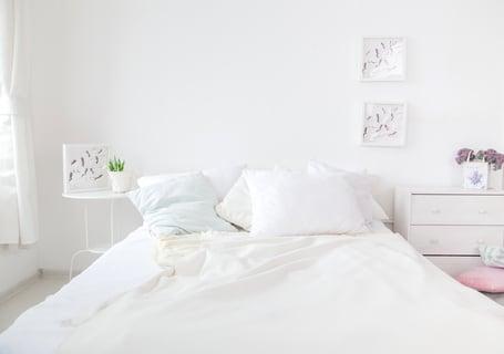 ベッド シーツ 部屋 寝室