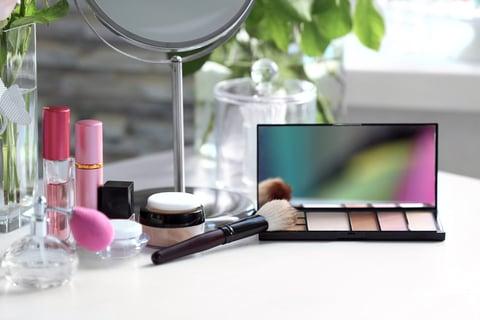 化粧台 鏡 メイク コスメ