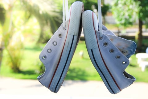 靴 スニーカー 洗濯 干す