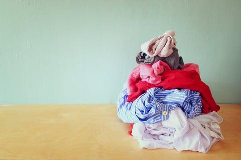 洗濯物 シャツ 干す