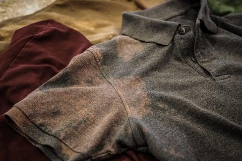 シミ 色落ち シャツ