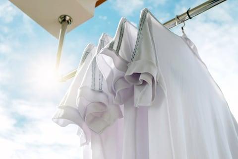 洗濯物 外干し 天気晴れ ベランダ