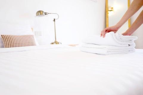 シーツ タオル 寝室 ベッド