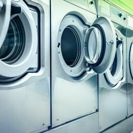 コインランドリーの使い方|初めてでも洗濯乾燥機を完璧に使える!