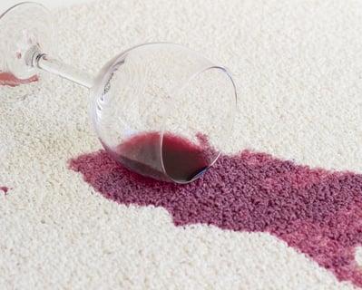 染み抜き ワイン ワインのシミはどうして落ちにくいの?正しい染み抜きの方法とは