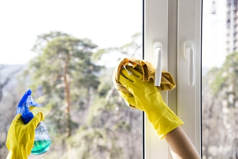 窓 掃除 ガラス