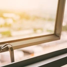 二階の窓の掃除方法!届かない場所はどうやってキレイにする?