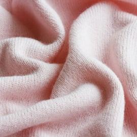 カシミヤの洗濯方法!手触り感を残すやさしい洗い方や注意点は?