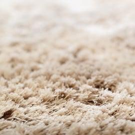 カーペットや絨毯の洗濯方法|お風呂を活用!臭いや汚れを取るには?