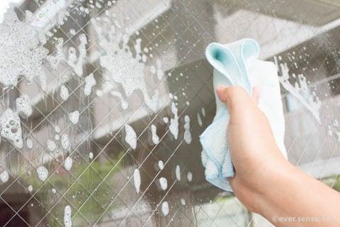 マイクロファイバークロス 洗剤 窓ガラス 掃除