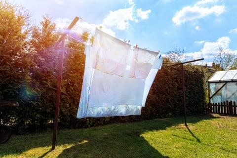 物干し竿で外干し シーツや布団