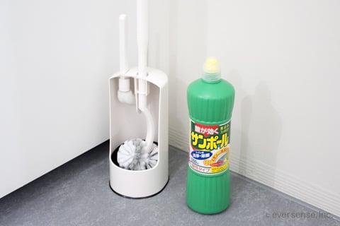 トイレの頑固な汚れを落とす道具