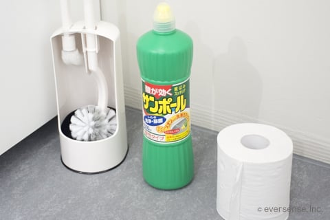 トイレにこびりついた汚れを落とす道具