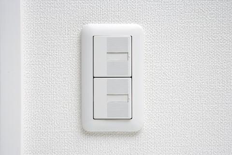 部屋の電気のスイッチ