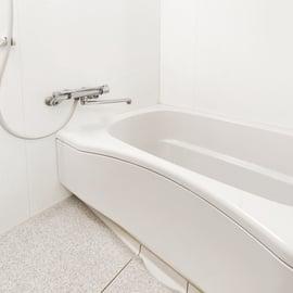 湯垢とは?ザラザラ汚れの原因や水垢との違いは?