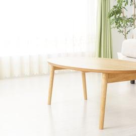 リビングテーブル フローリング床