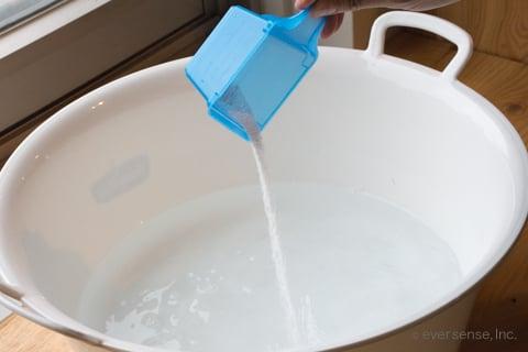 オキシクリーンをお湯に溶かす