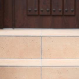 玄関のタイル掃除|重曹でまるごとスッキリ!おすすめの使い方は?