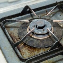 五徳は「重曹」で煮るとピカピカになる!ベトベト汚れを落とす方法!