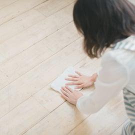 床の雑巾がけ、拭き掃除