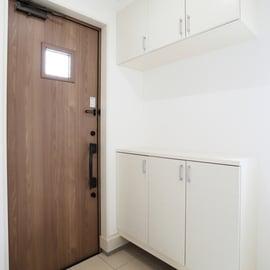 玄関の湿気対策の方法は?結露対策でカビやドアの湿気を防げる?