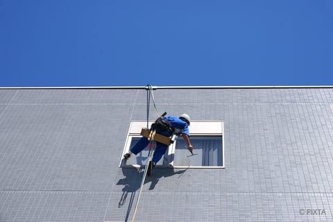 マンションの窓掃除