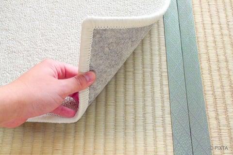 畳にカーペットや絨毯を敷く