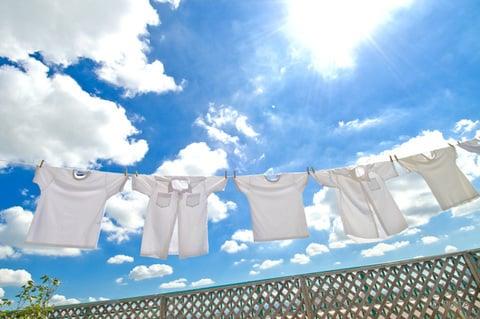 晴れた日に洗濯物を外干し