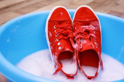 スニーカーの洗い方