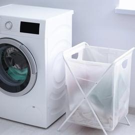 洗濯機と洗濯物 ドラム式