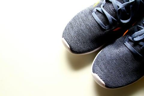 スニーカー 靴