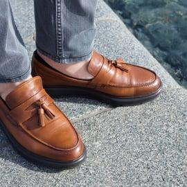 ローファー 革靴