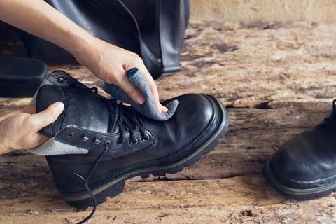 エナメルの靴の手入れ