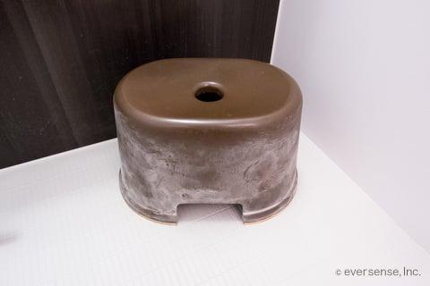 汚れたお風呂の椅子