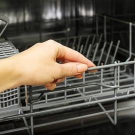 オキシクリーンで食洗機を掃除!酸素系漂白剤で汚れも臭いも落とす!
