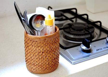 アタで編まれた筒型スタンドケース