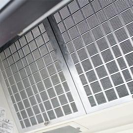 換気扇の汚れを防止するには?レンジフードの汚れを防ぐアイテム4選