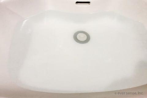 風呂の換気扇フィルターを洗ったあとの汚れ