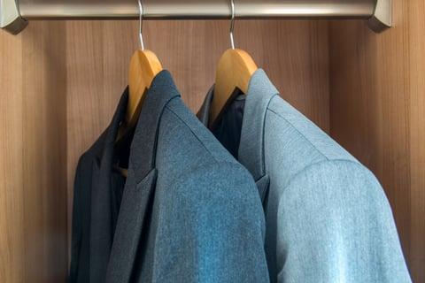 スーツ クローゼット